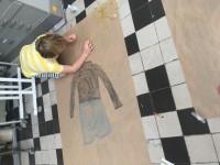 Levensgrote zelfportretten op papier bij de Knutselclub amsterdam