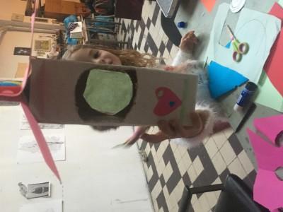 J (6jr) heeft bedacht om aan de achterkant van het vogelhuis of wordt hetgeen voederhuis een raam aan de achterkant te maken