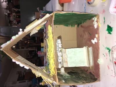 Het huis voor de hamster met een verdieping erin om te slapen